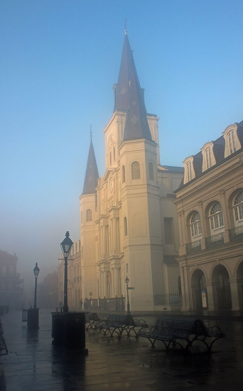 The St. Louis Cathedral & the Haunted Alleys - Photo